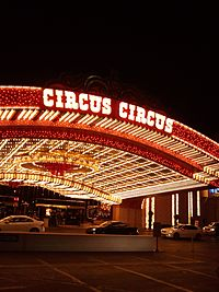 The entrance to Circus Circus (17188569031).jpg